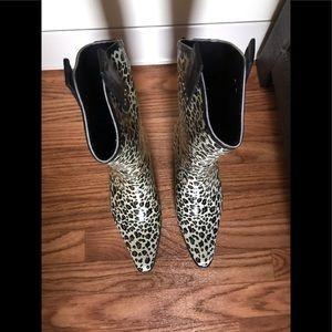 Capellini New York leopard rain boots
